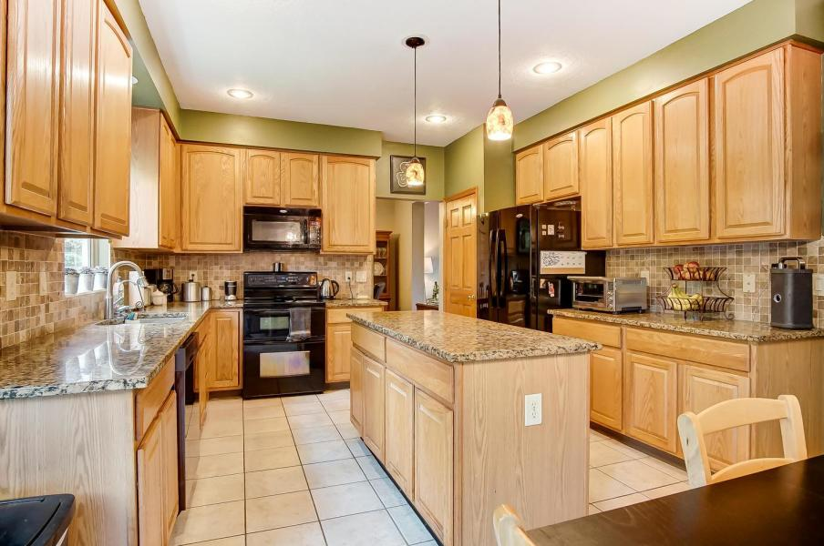 Kitchen of of 7670 Pinehill Rd, Lewis Center, OH